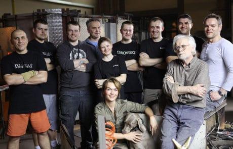 2011 - Glasstudio Borowski: Das Team am Ofen